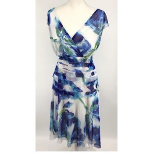 London Times, white and blue floral dress, 20 W